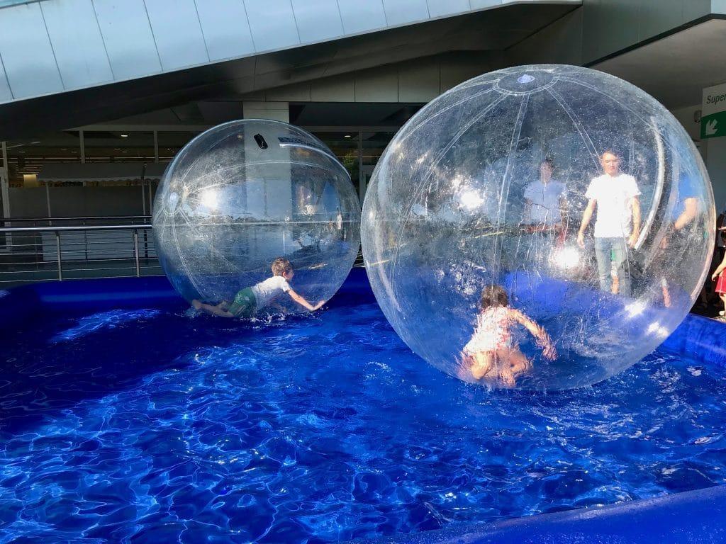 Piscina water ball per feste ed eventi a Roma